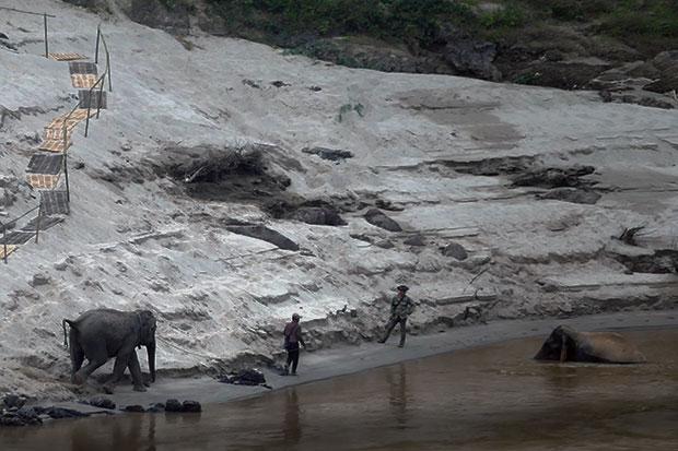 Mekong Flussfahrt in Laos Teil 1