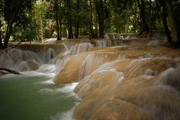 Die Wasserfälle von Tad Sae (Laos)