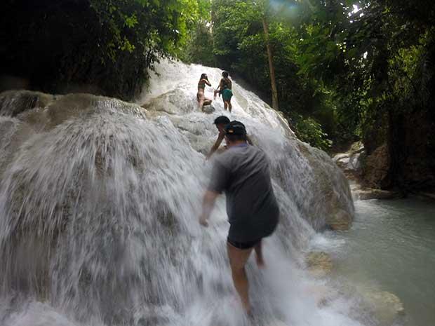 Aguinid Wasserfall Aufstieg