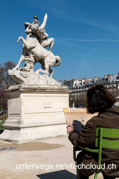 Paris_StatueLouvres