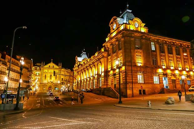 Porto_BahnhofbyNight